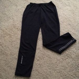 Brooks jogging pants with front pockets